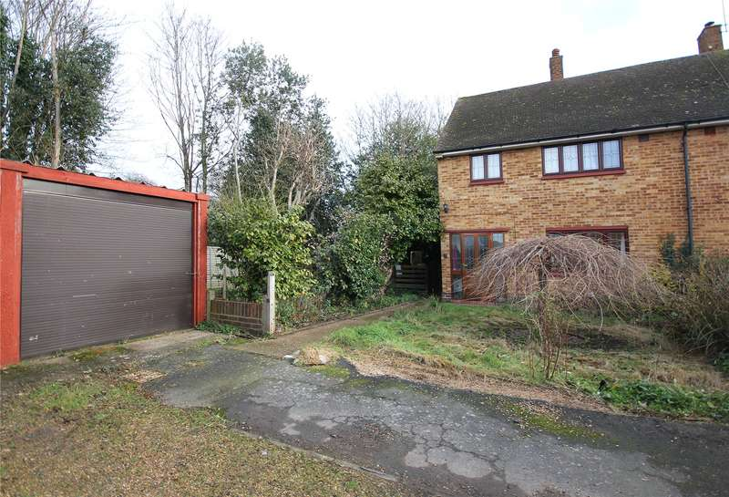 3 Bedrooms Semi Detached House for sale in Winston Way, Old Woking, Woking, Surrey, GU22