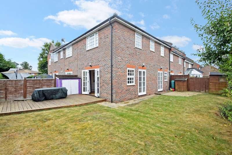 3 Bedrooms Terraced House for sale in Pepler Way, Burnham, SL1