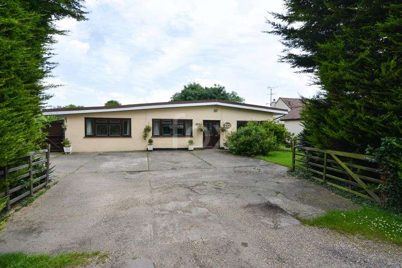 4 Bedrooms Detached Bungalow for sale in ASHINGDON