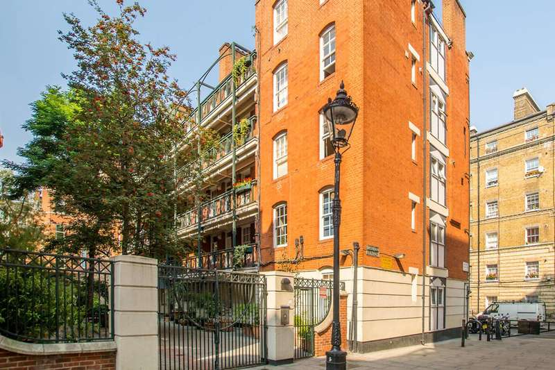 2 Bedrooms Flat for sale in Martlett Court, Covent Garden, WC2B
