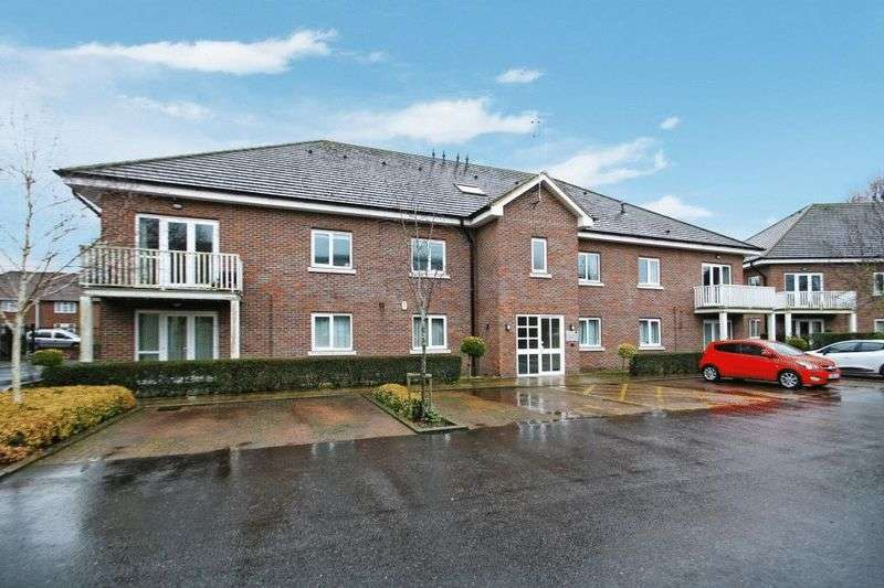 2 Bedrooms Flat for sale in Abbey Barn Road, High Wycombe