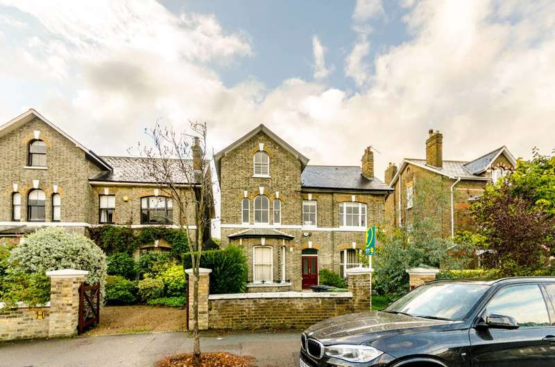 2 Bedrooms Flat for sale in Handen Road, Hither Green, SE12