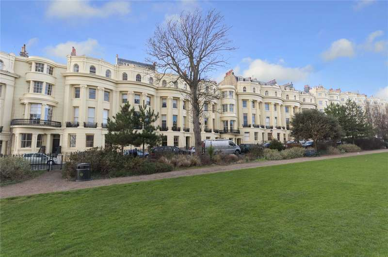 4 Bedrooms Flat for sale in Brunswick Square, Hove, East Sussex, BN3