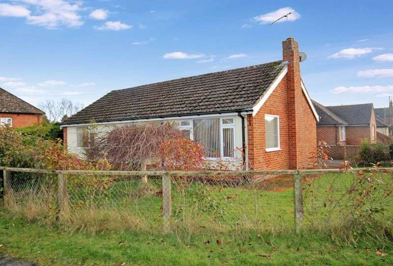 2 Bedrooms Detached Bungalow for sale in Fordingbridge