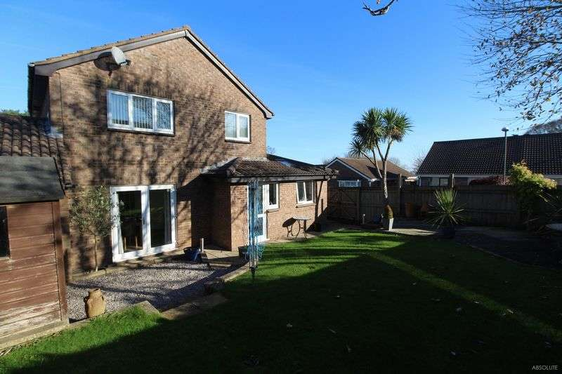4 Bedrooms Detached House for sale in Mena Park Road, Roselands, Paignton