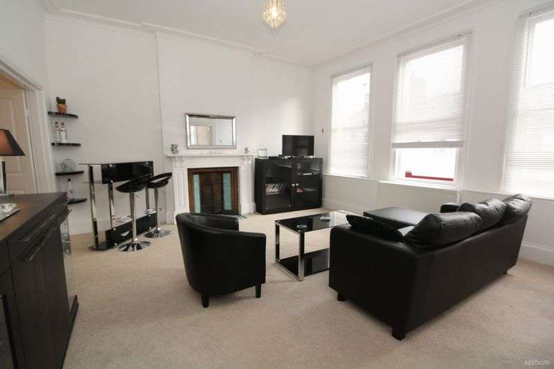 3 Bedrooms Flat for sale in Lucius Street, Torquay