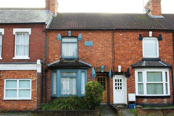 3 Bedrooms Terraced House for sale in New Bradwell, Milton Keynes