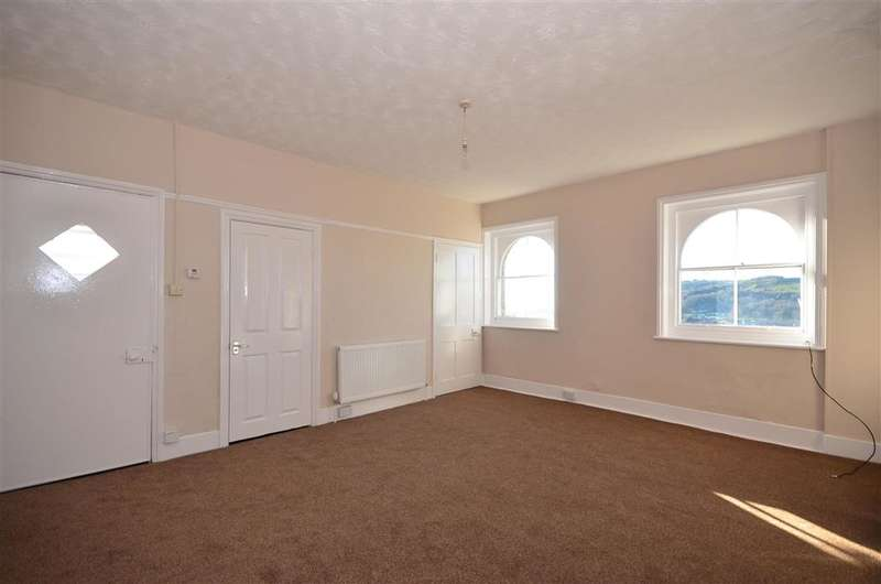 2 Bedrooms Flat for sale in Victoria Park, Dover, Kent