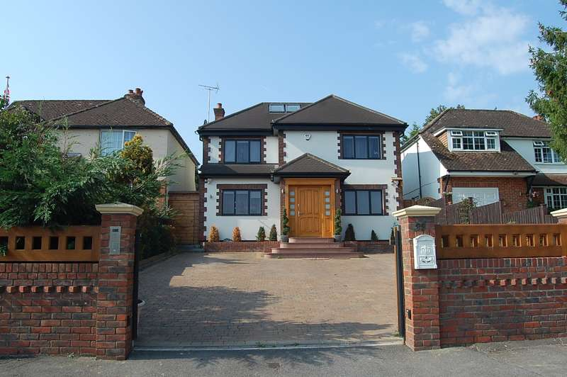 4 Bedrooms Detached House for sale in Fieldway, Chalfont St Peter, SL9