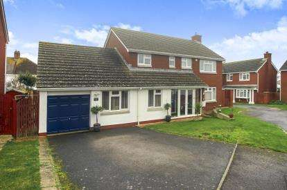 4 Bedrooms Detached House for sale in Rodwell, Weymouth, Dorset