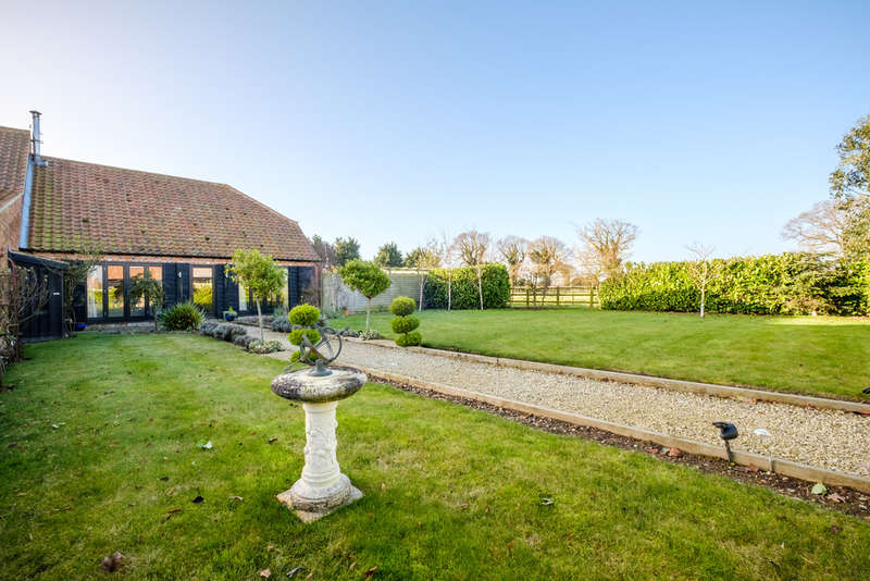 3 Bedrooms Unique Property for sale in Chapel Field, Stalham
