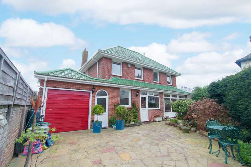 4 Bedrooms Detached House for sale in West Avenue, West Worthing