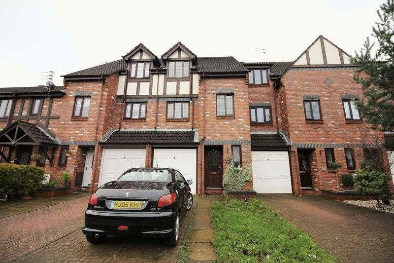 4 Bedrooms Terraced House for sale in 33 Sheringham Way, Poulton-Le-Fylde, Lancs FY6 7EE
