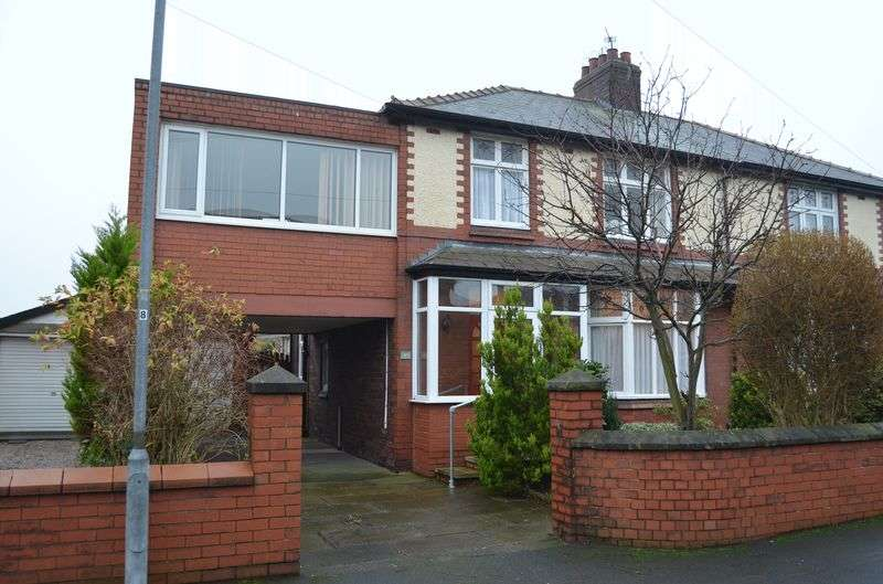 4 Bedrooms Semi Detached House for sale in Weston Crescent, Weston Village