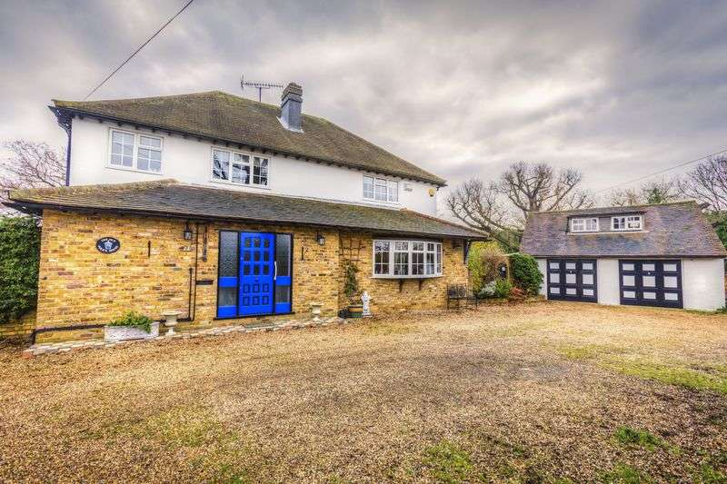 3 Bedrooms Detached House for sale in Cole Green, Hertford