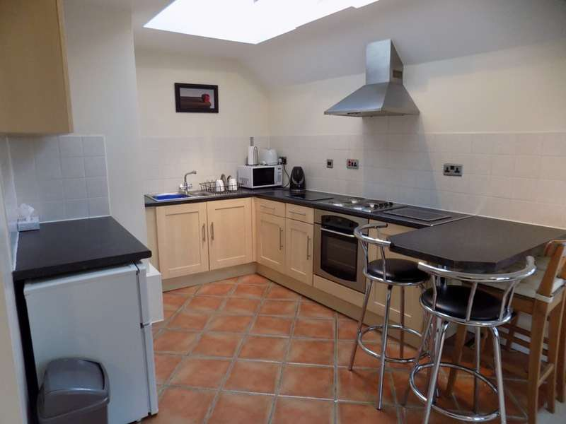 1 Bedroom Flat for sale in Dale Road, Buxton, Derbyshire, SK17
