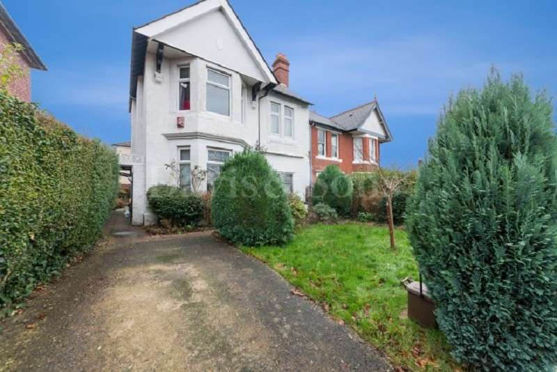 3 Bedrooms Semi Detached House for sale in Dewsland Park Road, Off Stow Hill, Newport. NP20 4EF