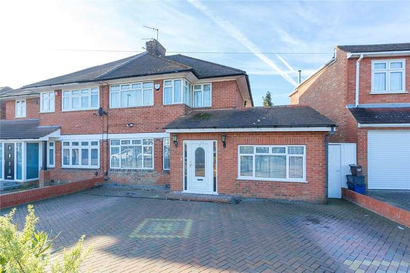 4 Bedrooms Semi Detached House for sale in Broadfields Avenue, Edgware, HA8