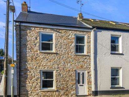 3 Bedrooms End Of Terrace House for sale in Totnes, Devon, .