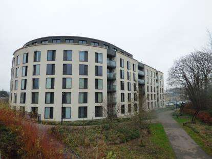 1 Bedroom Flat for sale in St. James Walk, Honeybourne Way, Cheltenham, Gloucestershire