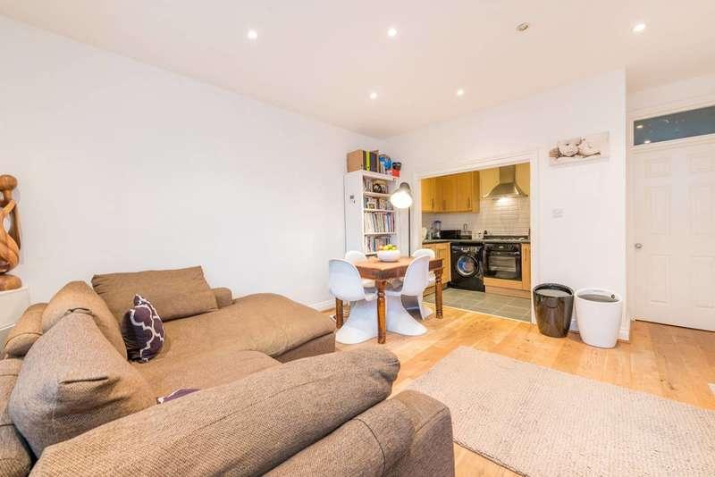 2 Bedrooms Flat for sale in Junction Road, Northfields, W5