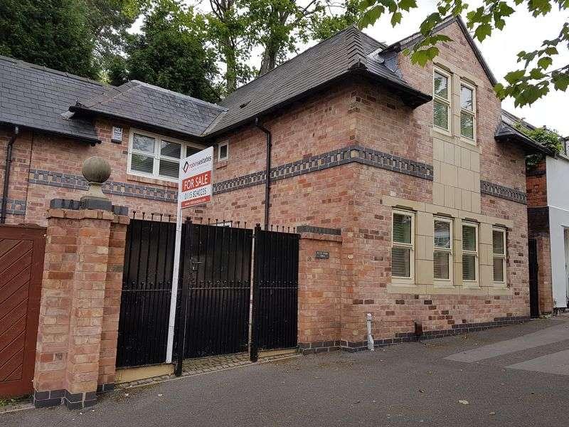 2 Bedrooms Semi Detached House for rent in Lenton Road, Nottingham
