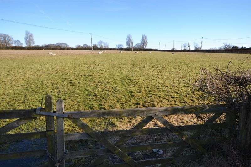 Land Commercial for sale in Mersham