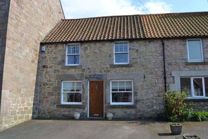 3 Bedrooms Terraced House for sale in Main St, Lowick