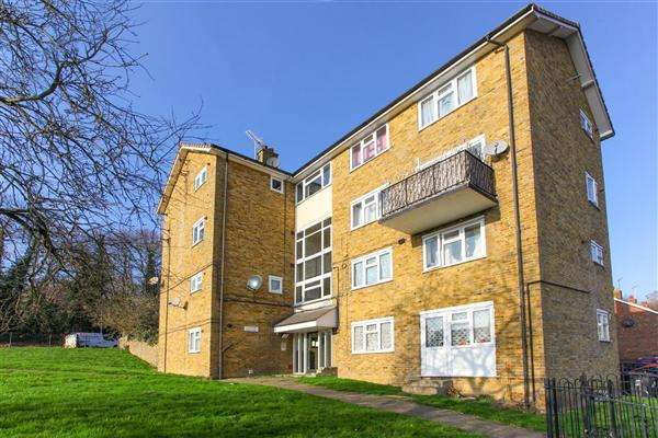2 Bedrooms Apartment Flat for sale in Godden Road, Canterbury
