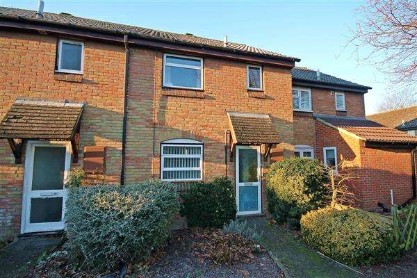 2 Bedrooms Terraced House for sale in Craddock Road, Canterbury