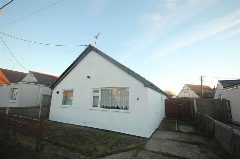 2 Bedrooms Bungalow for sale in Gorse Way, Jaywick