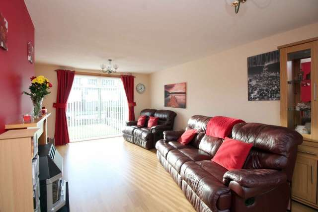 3 Bedrooms Villa House for sale in Aline Court, Glenrothes, Fife, KY6 2BX