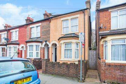 4 Bedrooms Terraced House for sale in Durban Road East, Watford, Hertfordshire, .
