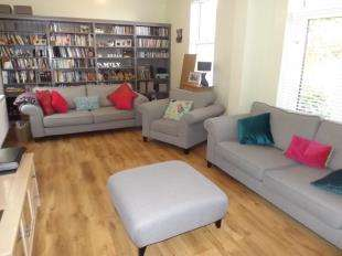 4 Bedrooms Semi Detached House for sale in Railway Cottages, Station Approach, Heathfield, East Sussex