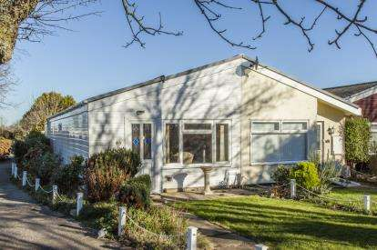 2 Bedrooms Bungalow for sale in Mount Hawke, Truro, Cornwall