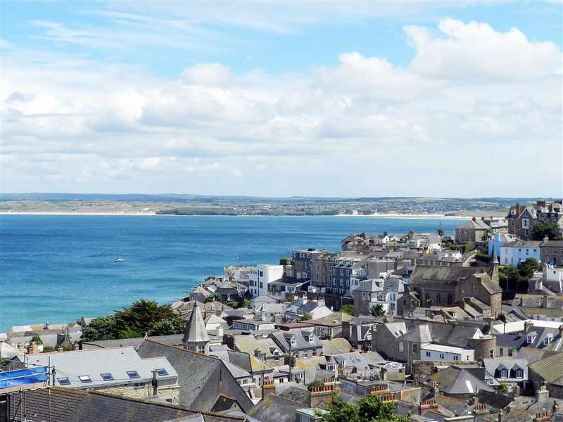 4 Bedrooms Property for sale in Carrack Dhu, St Ives