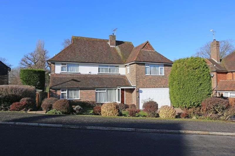 4 Bedrooms Detached House for sale in Warden Court, Cuckfield