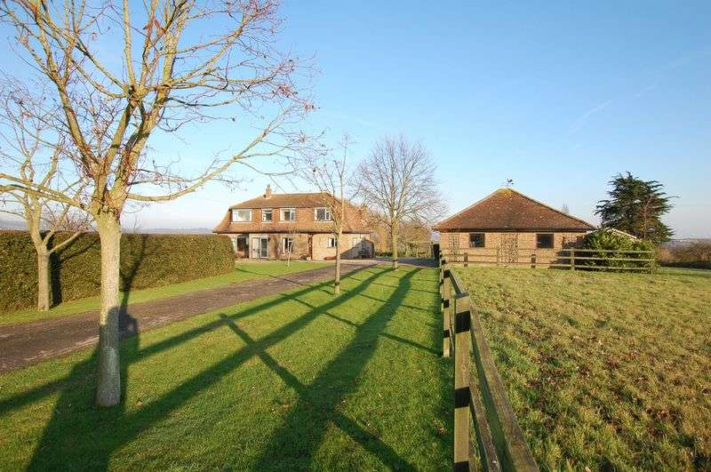 4 Bedrooms Detached House for sale in Horndon On The Hill