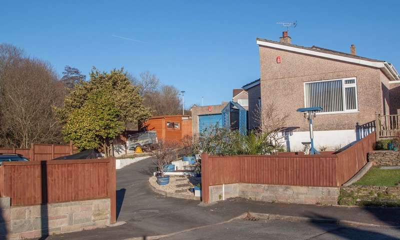 3 Bedrooms Detached Bungalow for sale in Roborough, Plymouth