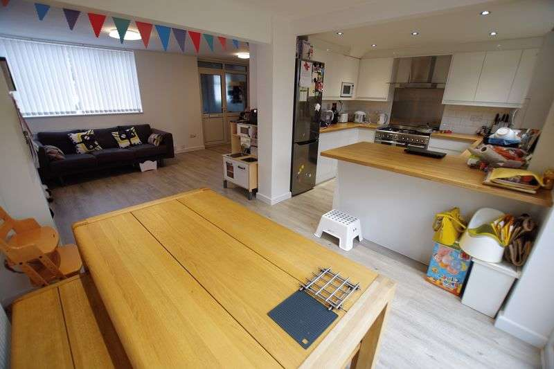 3 Bedrooms Semi Detached House for sale in Covingham