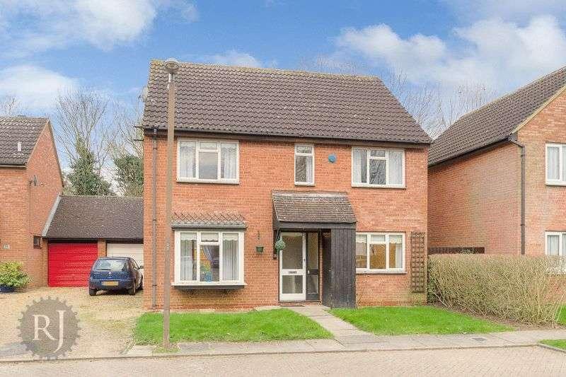 4 Bedrooms Detached House for sale in Bradwell Village, Milton Keynes