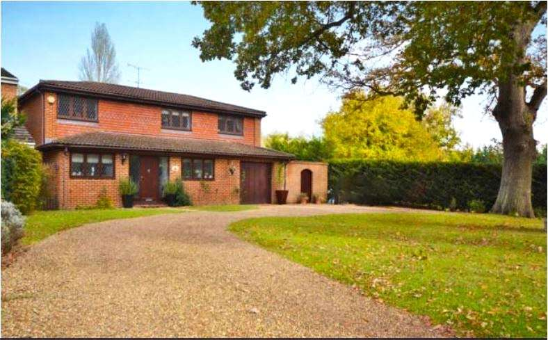 5 Bedrooms Detached House for sale in Ottershaw Park, Ottershaw, Chertsey, Surrey, KT16