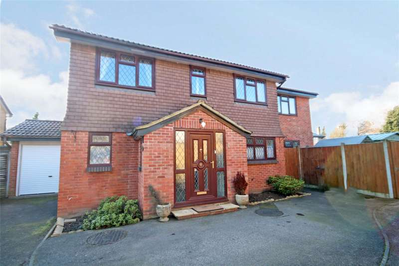 4 Bedrooms Detached House for sale in Jersey Close, Chertsey, Surrey, KT16