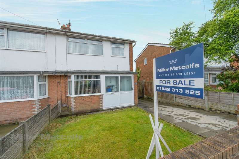 3 Bedrooms Semi Detached House for sale in Park Lane, Abram, Wigan, Lancashire