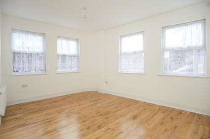 2 Bedrooms Flat for sale in Leyton