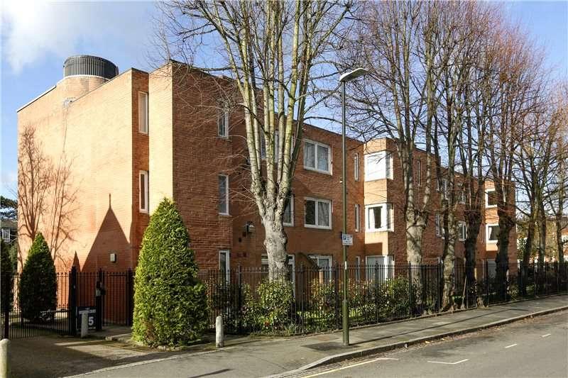 2 Bedrooms Flat for sale in Roskeen Court, 45 Arterberry Road, London, SW20