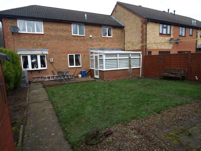 3 Bedrooms Terraced House for sale in Sorrell Drive, Newport Pagnell, Buckinghamshire
