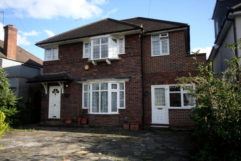 5 Bedrooms Detached House for sale in Grasmere Avenue, Kingston Vale, London, SW15