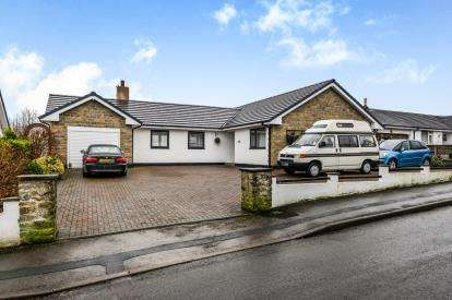 3 Bedrooms Bungalow for sale in North Road, Carnforth, Lancashire, United Kingdom, LA5