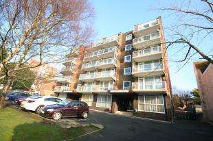 1 Bedroom Flat for sale in Lullington House, 52 Upperton Road, Eastbourne, East Sussex